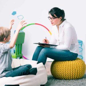 Especialízate en el desarrollo psicológico infantil e intervención socioeducativa con el Máster en Atención Temprana + Máster en Psicología Infantil